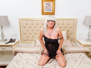 HotBlondeToLove - Sexy live show with sex cam on XloveCam