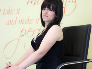 Karlya - Sexy live show with sex cam on XloveCam®
