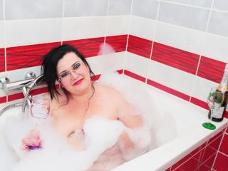 EveLawrrence - Sexy live show with sex cam on XloveCam®