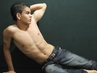 BrightSexyStud - Sexy live show with sex cam on XloveCam®