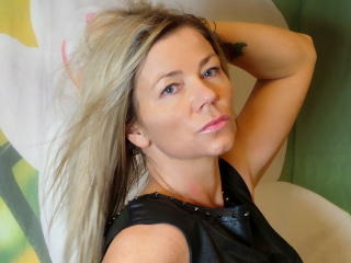 ClaudiaDream - Sexy live show with sex cam on XloveCam