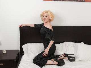AlexandraAdam - Sexy live show with sex cam on XloveCam®