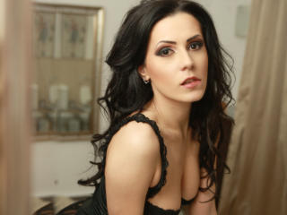 OneElegantGirl - Sexy live show with sex cam on XloveCam®