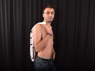 FamousAllan - Sexy live show with sex cam on XloveCam®