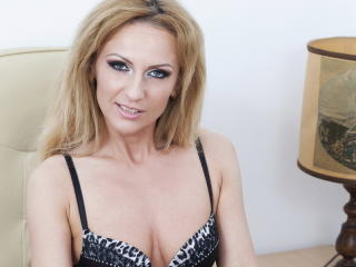 KarlaJensen - Sexy live show with sex cam on XloveCam