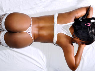 CamilaFlower - Sexy live show with sex cam on XloveCam®