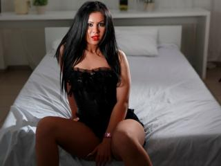 OneHornyLatina - Sexy live show with sex cam on XloveCam®