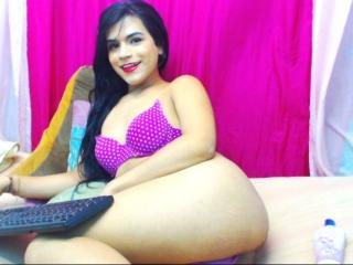IsabelSexyHot - Sexy live show with sex cam on XloveCam®