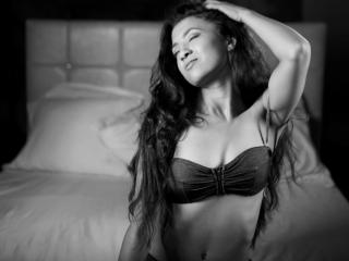 OneNaughtyEveline - Sexy live show with sex cam on XloveCam®