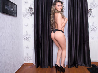 BustyAlyssa - Sexy live show with sex cam on XloveCam®
