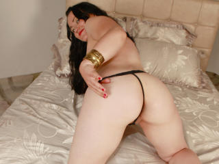 DivineAbigail - Sexy live show with sex cam on XloveCam®
