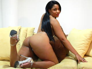 AlishaQueen - Sexy live show with sex cam on XloveCam®