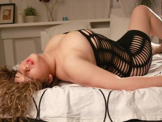 LustySasha - Sexy live show with sex cam on XloveCam®