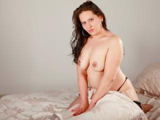 KinkySarah - Sexy live show with sex cam on XloveCam
