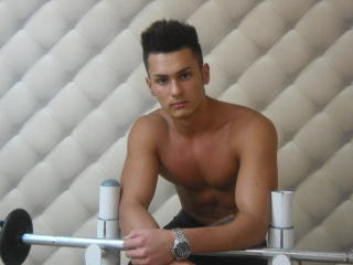 JacquesMiller - Sexy live show with sex cam on XloveCam®