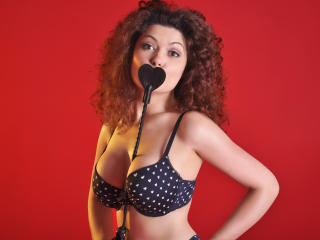 BelleLarraDD - Sexy live show with sex cam on XloveCam®