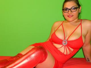 CurvySonya - Sexy live show with sex cam on XloveCam