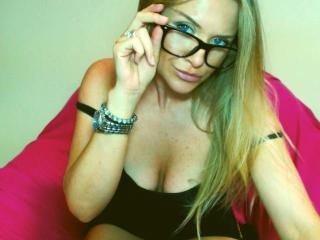 LadyMartina - Sexy live show with sex cam on XloveCam®