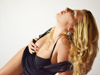 BlondeMonica - Sexy live show with sex cam on XloveCam®