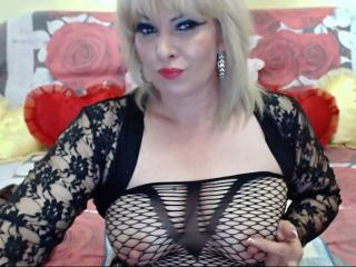 SquirtingMarie - Sexy live show with sex cam on XloveCam