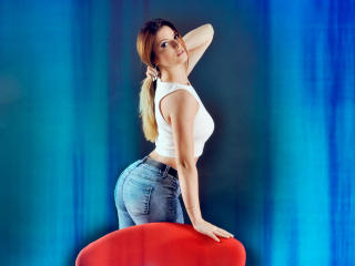 AmyPure - Sexy live show with sex cam on XloveCam