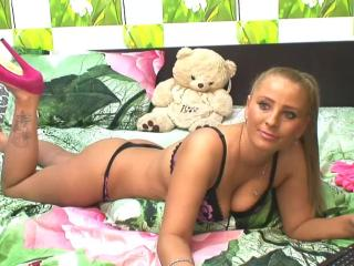 KikiSweet - Sexy live show with sex cam on XloveCam®