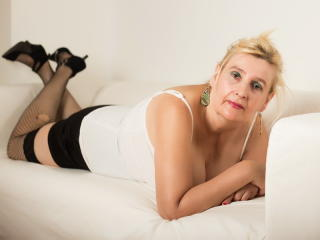 DangerousWoman - Sexy live show with sex cam on XloveCam®