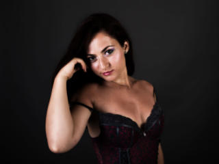 CharmingBeauty - Sexy live show with sex cam on XloveCam®