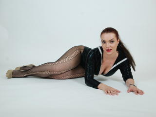 QueennNicolle - Sexy live show with sex cam on XloveCam®