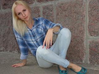 BlueFlore - Sexy live show with sex cam on XloveCam®