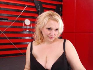 EroticSarahForU - Sexy live show with sex cam on XloveCam®