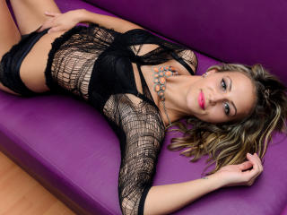 Dallyla - Sexy live show with sex cam on XloveCam®