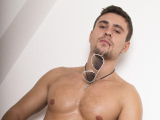 ChrisXBoy - Sexy live show with sex cam on XloveCam®