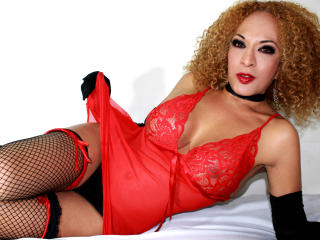 LadyFerrer - Sexy live show with sex cam on XloveCam®