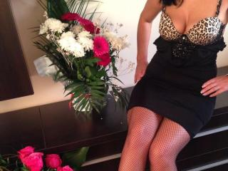 AnneHot - Sexy live show with sex cam on XloveCam®