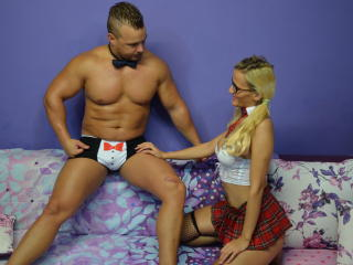 GoldenCoupleX - Sexy live show with sex cam on XloveCam