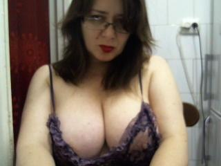 PerkyBoobsMature - Sexy live show with sex cam on XloveCam®