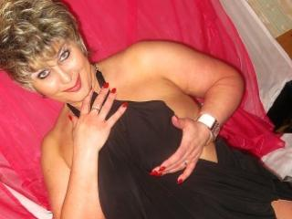 PoshLady - Sexy live show with sex cam on XloveCam