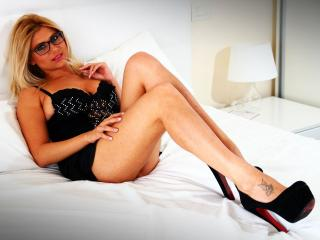 JolieAlenna - Sexy live show with sex cam on XloveCam®