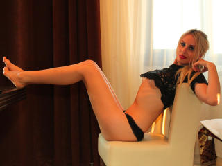 AdelaLive - Sexy live show with sex cam on XloveCam
