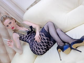 BerryAntonnya - Sexy live show with sex cam on XloveCam®