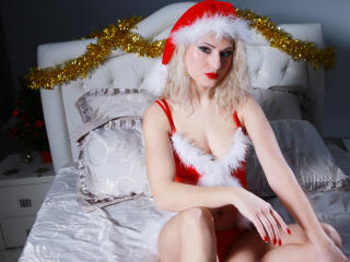 BlondeDesireForU - Sexy live show with sex cam on XloveCam®