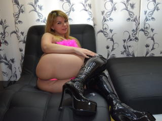 YourHottDollX - Sexy live show with sex cam on XloveCam