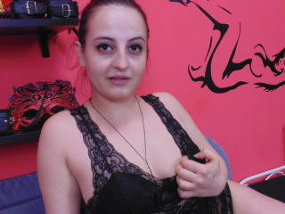 KinkyLeya - Sexy live show with sex cam on XloveCam®
