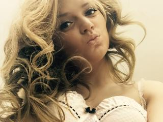 GiulyaOne - Sexy live show with sex cam on XloveCam®