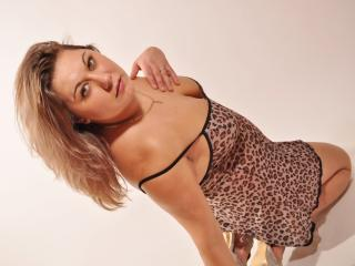 LaPrecieuse - Sexy live show with sex cam on XloveCam®