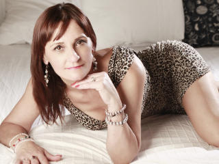 OneHotMilfBB - Sexy live show with sex cam on XloveCam®