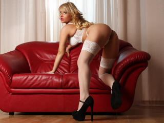KatyXBelle - Sexy live show with sex cam on XloveCam®