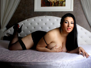 Allynee - Sexy live show with sex cam on XloveCam