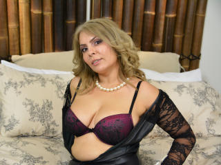 SweetHotBlonde - Sexy live show with sex cam on XloveCam®